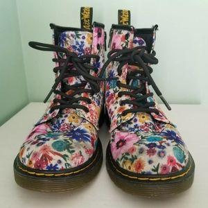 Dr. Martens delaney wander canvas combat boots